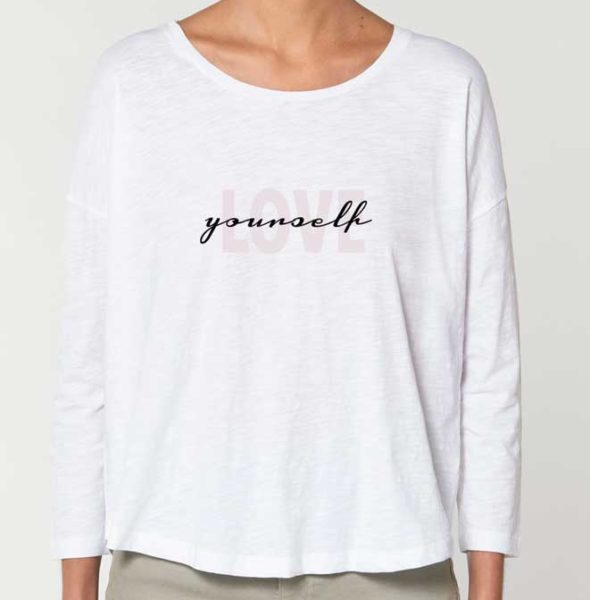 Camiseta-Love-Yourself-front